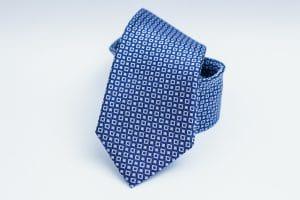 Krawatte bügeln und richtig aufbewahren