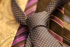 Krawatten schonend glätten ohne Bügeleisen