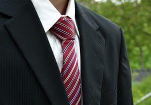 Krawatte bügeln und binden